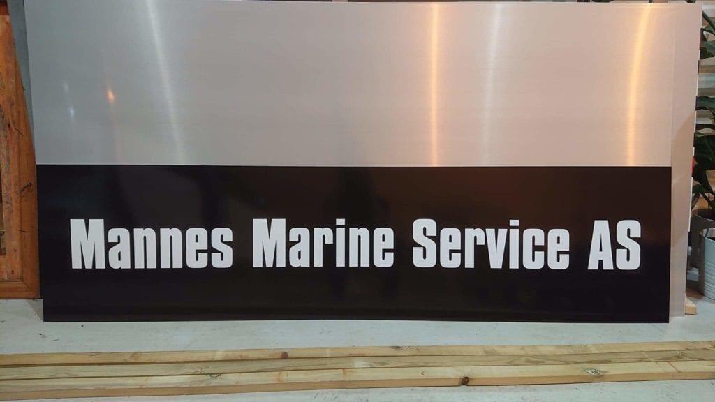 Skilt produsert for Mannes Marine service
